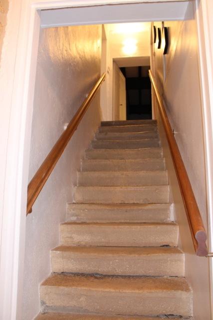 Cottage Entre Deux : first floor access